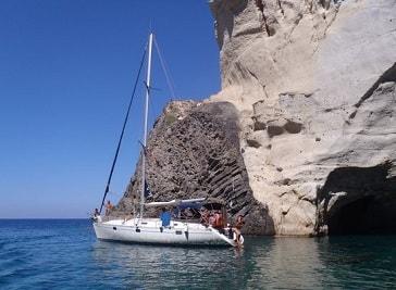 Oneiro Milos Boat Tours in Milos